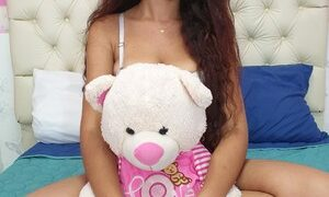 Ashley_shaw naked before webcam in live video chat